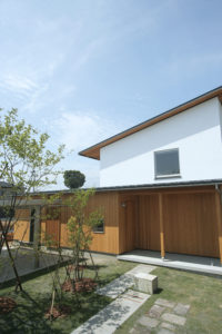 キノイエ 外装 糸魚川産の杉板を使用|上越市・妙高市・糸魚川市の注文住宅|木の家づくり工務店|キノイエ|