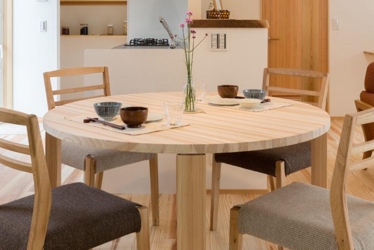平牛の家テーブル