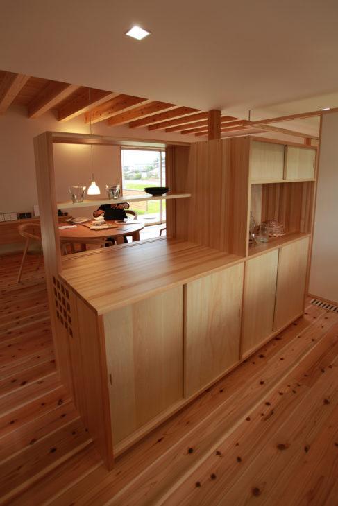 箱パントリー|上越市・妙高市・糸魚川市の注文住宅|木の家づくり工務店|キノイエ|