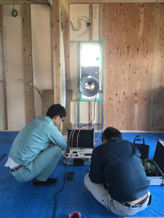 |C値|気密測定|高気密高断熱の家|上越・糸魚川・妙高の工務店|新築・リフォーム|自然素材の注文住宅|キノイエ|カネタ建設|
