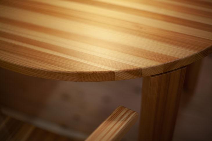 |糸魚川産杉|家具|チェア|地材地建|地元の木で家を建てる|森林資源活用|上越・糸魚川・妙高の家づくり|木の家をつくる工務店|新築・リフォーム|自然素材の注文住宅|キノイエ|カネタ建設|高気密高断熱|パッシブデザイン|