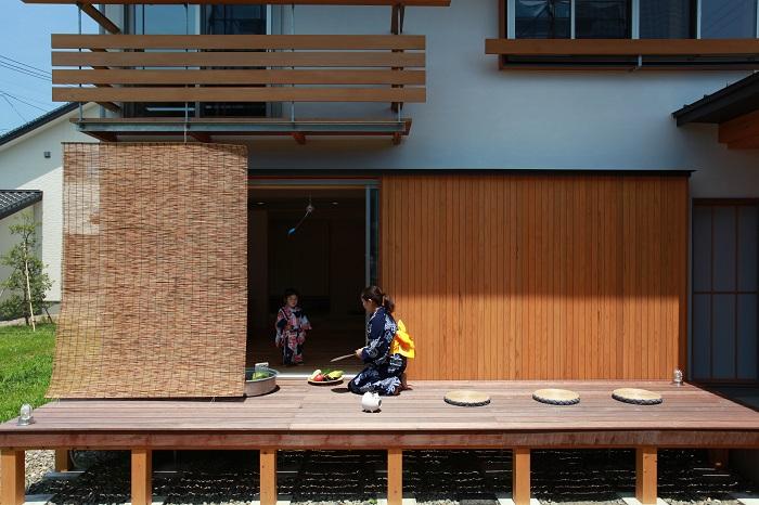 |キノイエ|モデルハウス|塩屋新田の家|上越|芝刈り|ウッドデッキ|