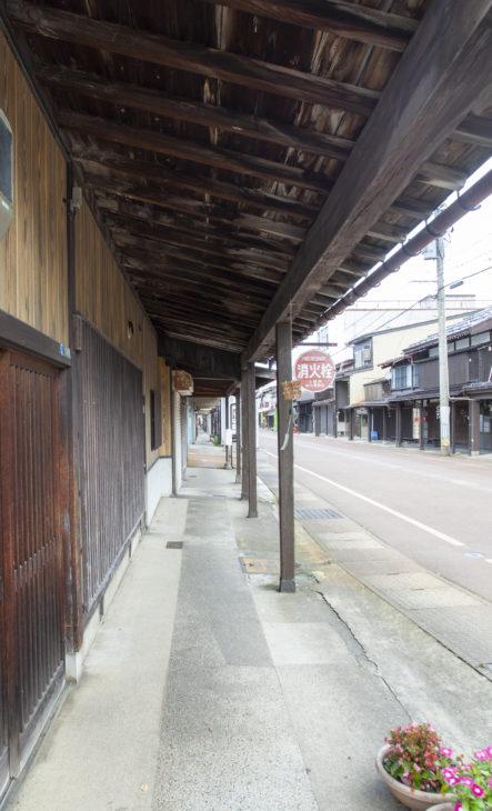 雁木通り|上越市高田|小さな邸宅キノイエ|カネタ建設